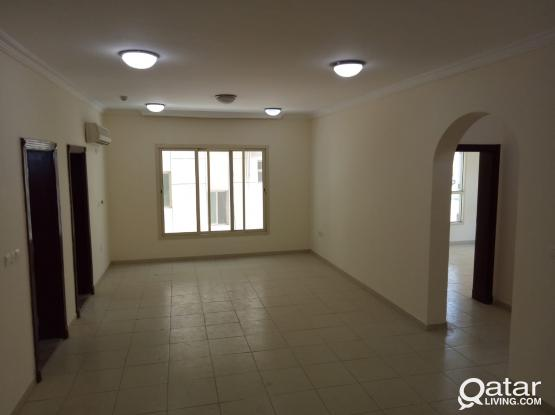 APARTMENT FOR RENT AT OLD SALATHA OPPOSITE HORIZON MANNNER HOTEL  AND VERY LOSE TO SOUQ WAQIF