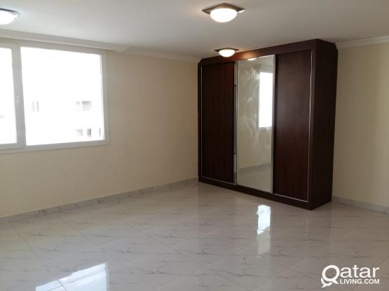 No Commission Neat n Clean Spacious Studio for Rent Beside Tawar Mall