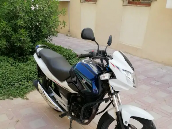 Suzuki Motorcycle 250 2014
