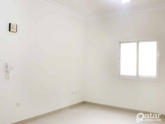 BIG 3 BHK UF FLAT FOR BACHELORS OLD AIRPORT ROAD NEAR DHL (No Commission)