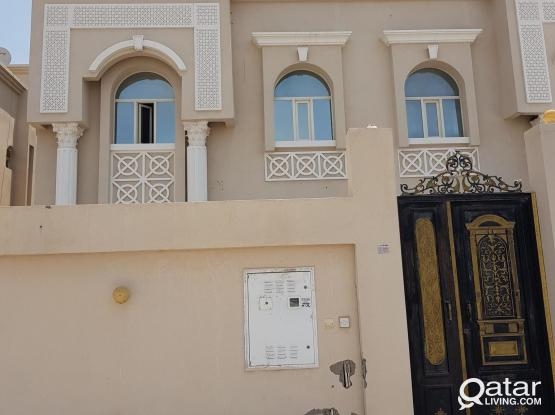5 bedroom independent villa for rent in Thumama