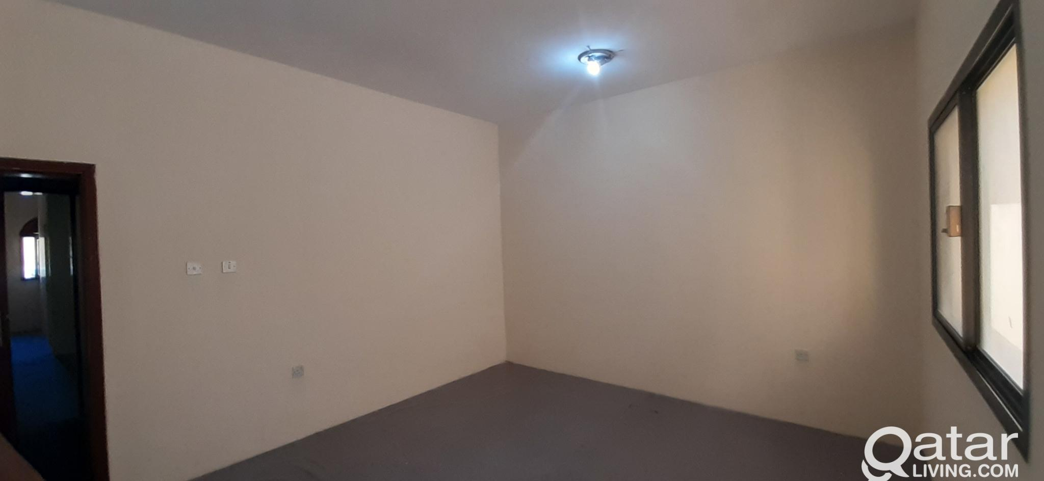 SPACIOUS *2 BEDROOM,*2 BATHROOM,HALL & KITCHEN INC